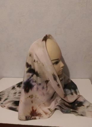 Натуральный качественный шелк,красивый батик платок,шов роуль,88*922