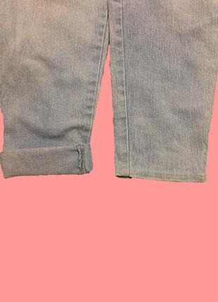 Светлые джинсы с высокой талией4 фото