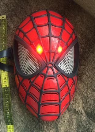 Маска со светом человека-паука спайдермен hasbro
