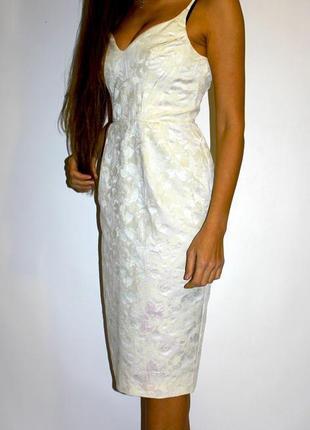 Красивое платье футляр, ткань парча - красивый перелив ткани1