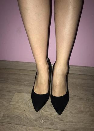 Чёрная замшевые туфли на шпильке1
