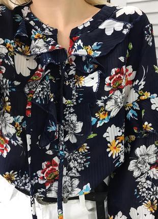 Блузка з рюшами в квітковий принт4