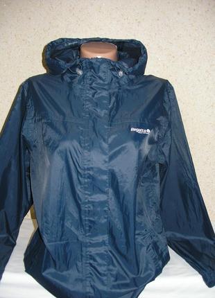 Спортивная молодежная куртка / дождевик
