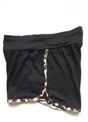 Классные шорты с леопардовой окантовкой body skult3