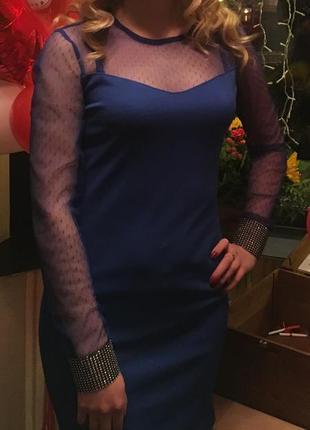 Платье синим цветом с сеточкой