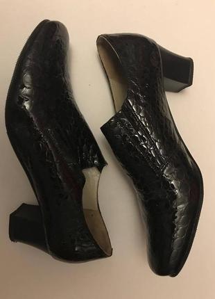 Туфли лакированная кожа р. 41, полномерный odri
