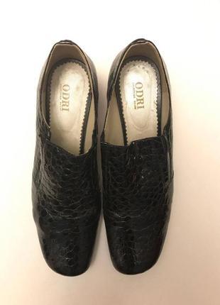 Туфли лакированная кожа р. 41, полномерный odri3