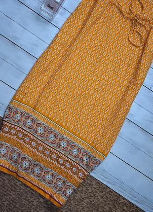 Стильное платье в орнамент2 фото