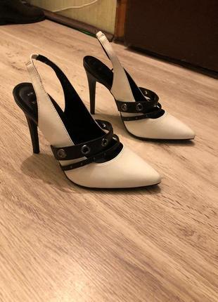 Новые туфли лодочки черно белые new look5