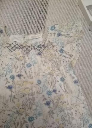 Нежное батистовое детское платье для девочки в васильки