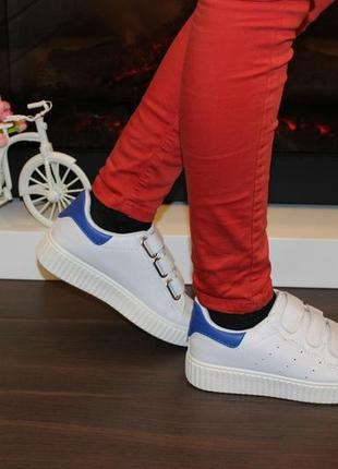 Кроссовки белые липучки синяя пятка т7615