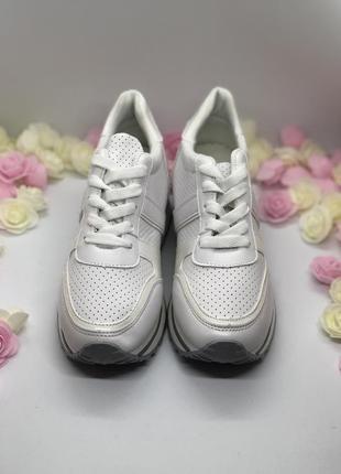 Белые спортивные кроссовки  на платформе4