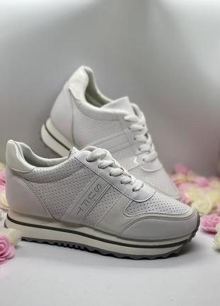 Белые спортивные кроссовки  на платформе5