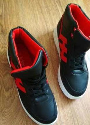 Стильные женские демисезонные ботинки2 фото