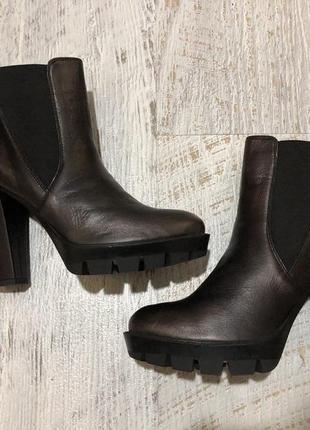Новые натуральные фирменные ботинки 40р./26,5 см1 фото