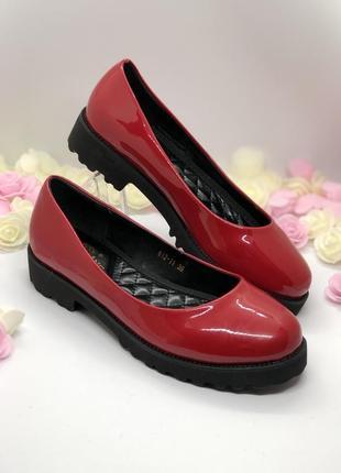Красные лаковые туфли2
