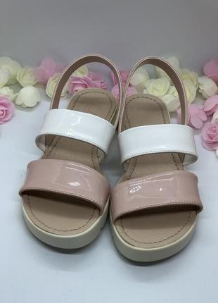 Босоножки бело розовые6