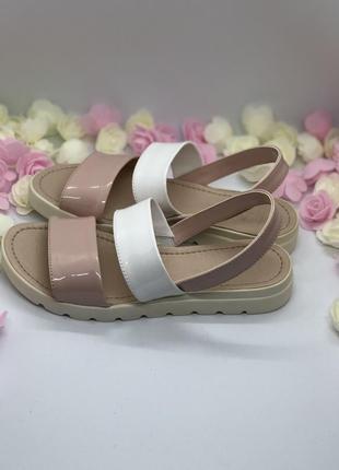 Босоножки бело розовые5