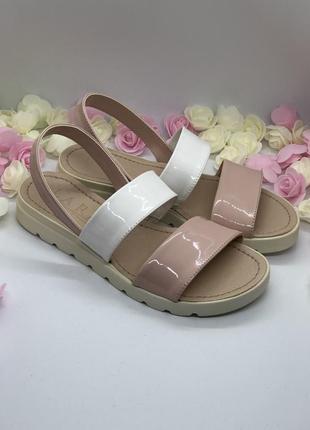 Босоножки бело розовые2