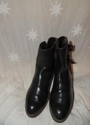 Качественные ботинки   marco tozzi на среднюю ногу  39 размер4