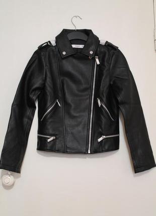 Черная косуха mango, испания. женская кожаная куртка, кожанка8