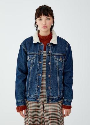 Теплая джинсовая куртка с мехом pull and bear2 фото