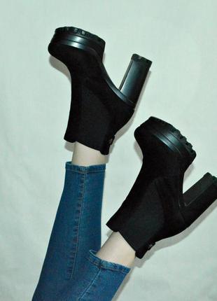 Актуальные новые ботинки на каблуке демисезонные3
