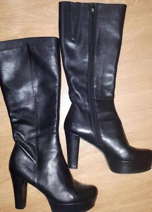 Классные кожаные сапоги