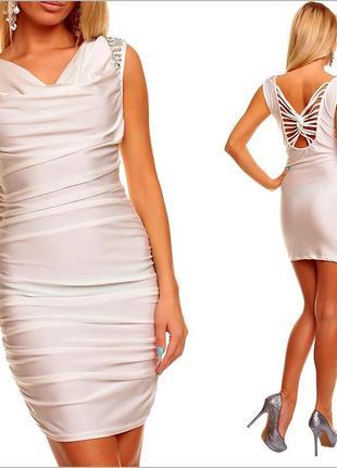 Вечернее белое платье с камнями