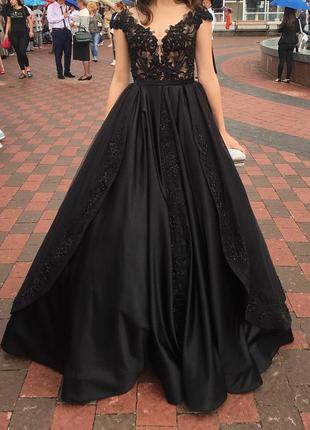 Выпускное платье,вечернее платье, длинное черное пышное платье
