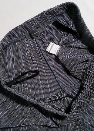 Крутой плиссированный комплект кюлоты + блуза (футболка) в цвете серебро7 фото