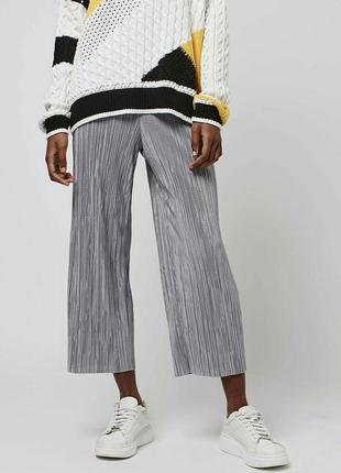 Крутой плиссированный комплект кюлоты + блуза (футболка) в цвете серебро8 фото