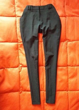 Классические,зауженные брюки со стрелками1 фото