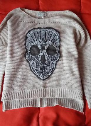 Нюдовый оверсайз свитер с черепом с опущенным плечевым швом5