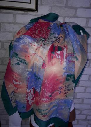 Яркий легкий платок италия