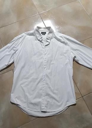 Приталеная рубашка