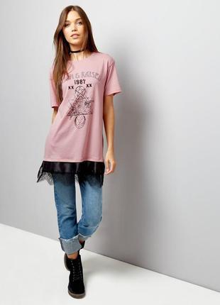 Крутая удлиненная футболка с кружевом от new look