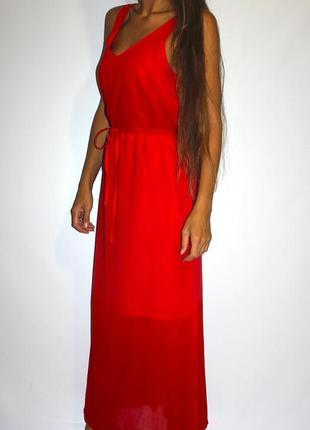Красное платье с градиентом , по талии стягивается
