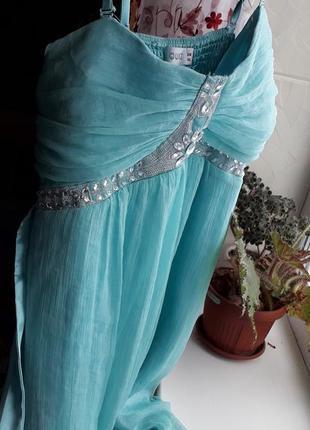 Шикарне плаття з стразами вечірнє