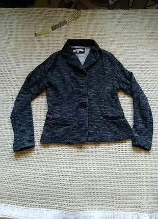 Тепленький повседневный пиджак