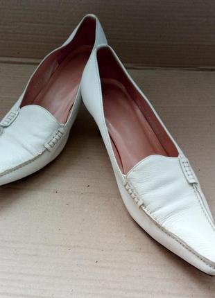 Туфлі шкіряні voltan