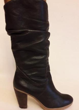 Шикарные кожаные споги фирмы roberto santi p. 39 стелька 25,5 см