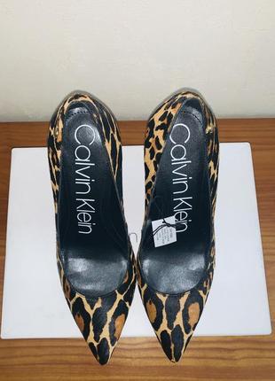 Туфли-лодочки с леопардовым принтом.4 фото