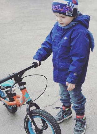 Фирменная куртка демисезонная на мальчика весна-осень