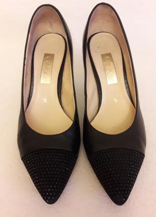 Кожаные классические туфли лодочки фирмы gabor p. 38 стелька 24,5 см