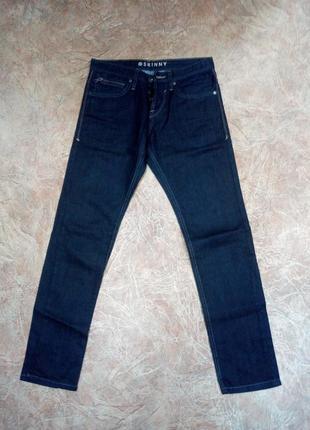 Классические мужские джинсы skinny