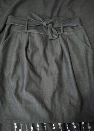 Серая юбка с бантом