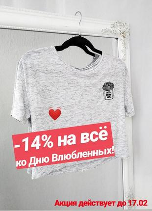Стильная футболка с вышивкой h&m кроп топ