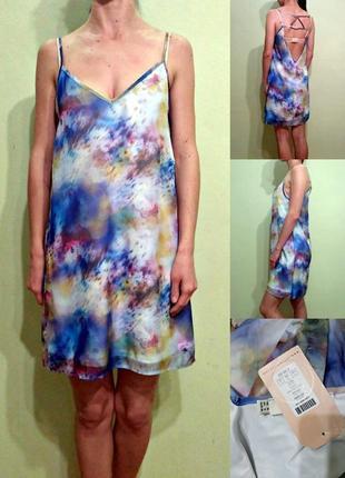 Новое легкое платье с открытой красивой спинкой