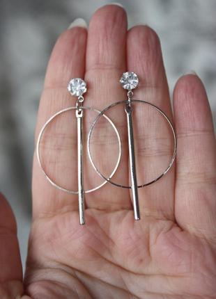 Стильные серьги кольца с палочкой